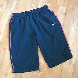 Nike performance gray/pink bermuda shorts
